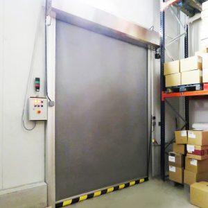Brama szybkobieżna rolowana WinFrigo do chłodni.